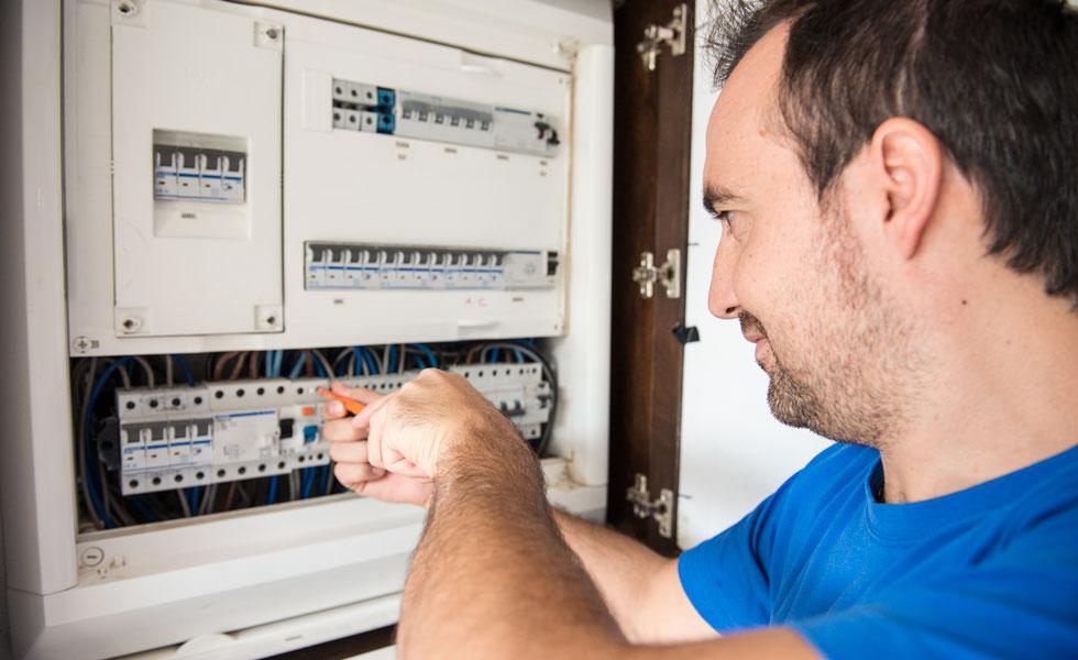 instalaciones-electricas-el-rayo-mantenimiento